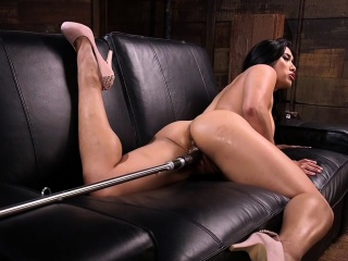 Broad in the beam pest Asian hottie fucking appliance