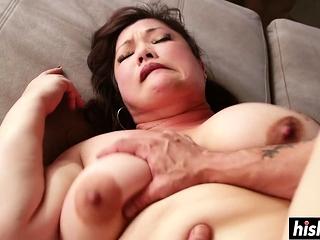Horny BBW got her ass weakened