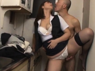 Mature honey gets hairy pussy fucked hard with sex toy